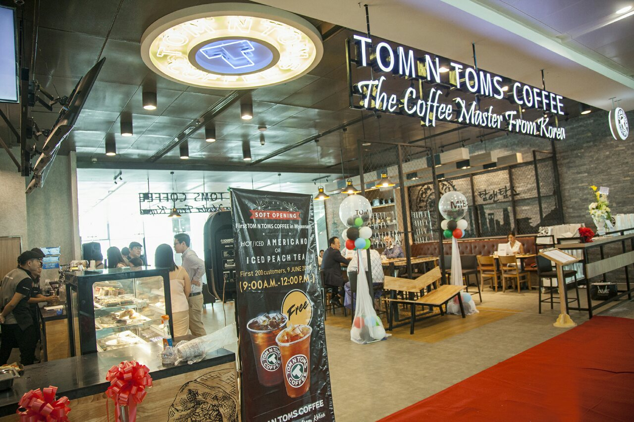 TOM N TOMS COFFEE Soft Opening Event